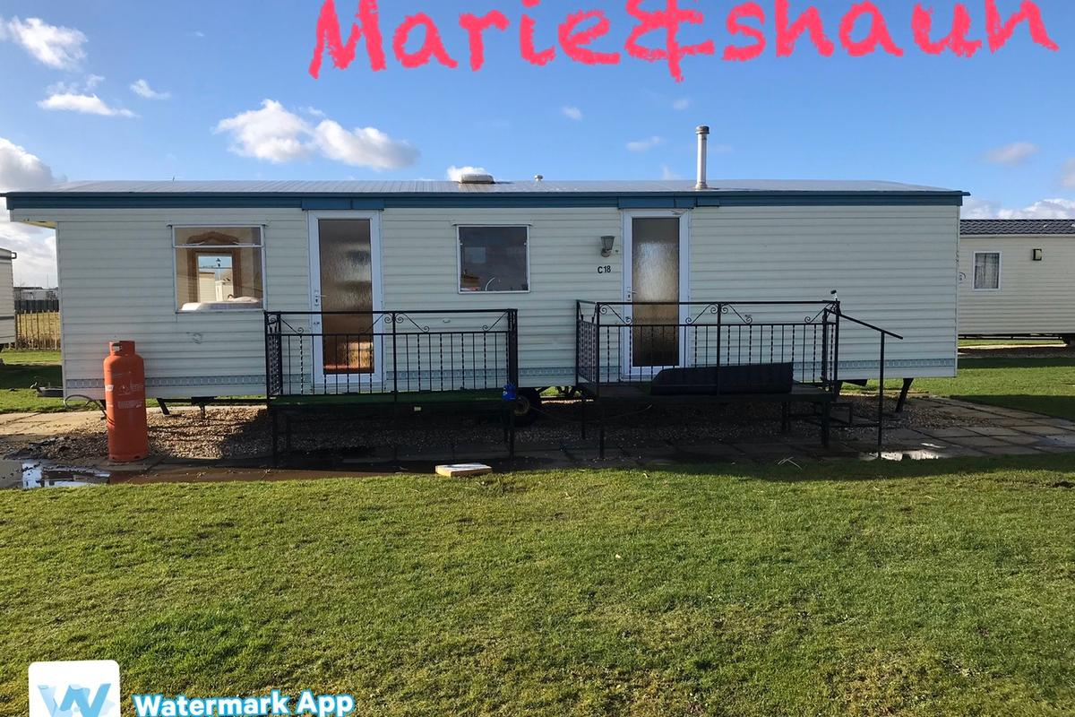On the chase anchor lane ingoldmells, 7 berth, all mod cons, on bus route, oppisite Hardys animal farm& trampoline park, , 5 mins to beach , 10/15 mins to fantasy island,