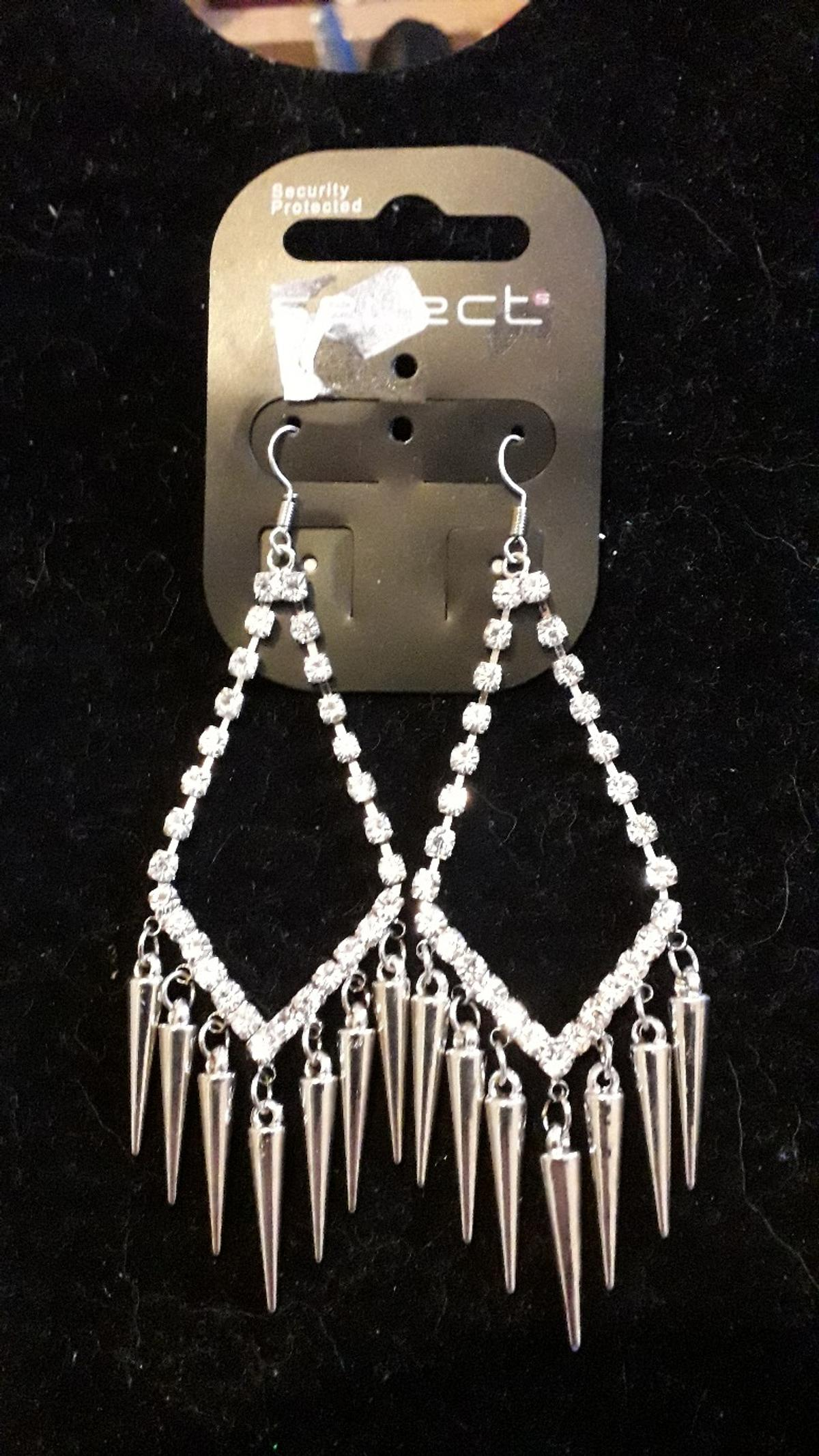 new silver colour fashion earrings