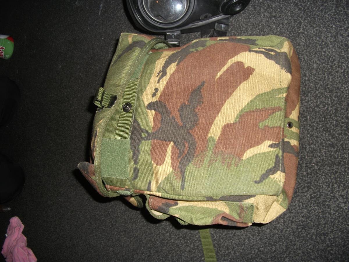 very good condition including carrying case, 1990s army issue gas mask message
