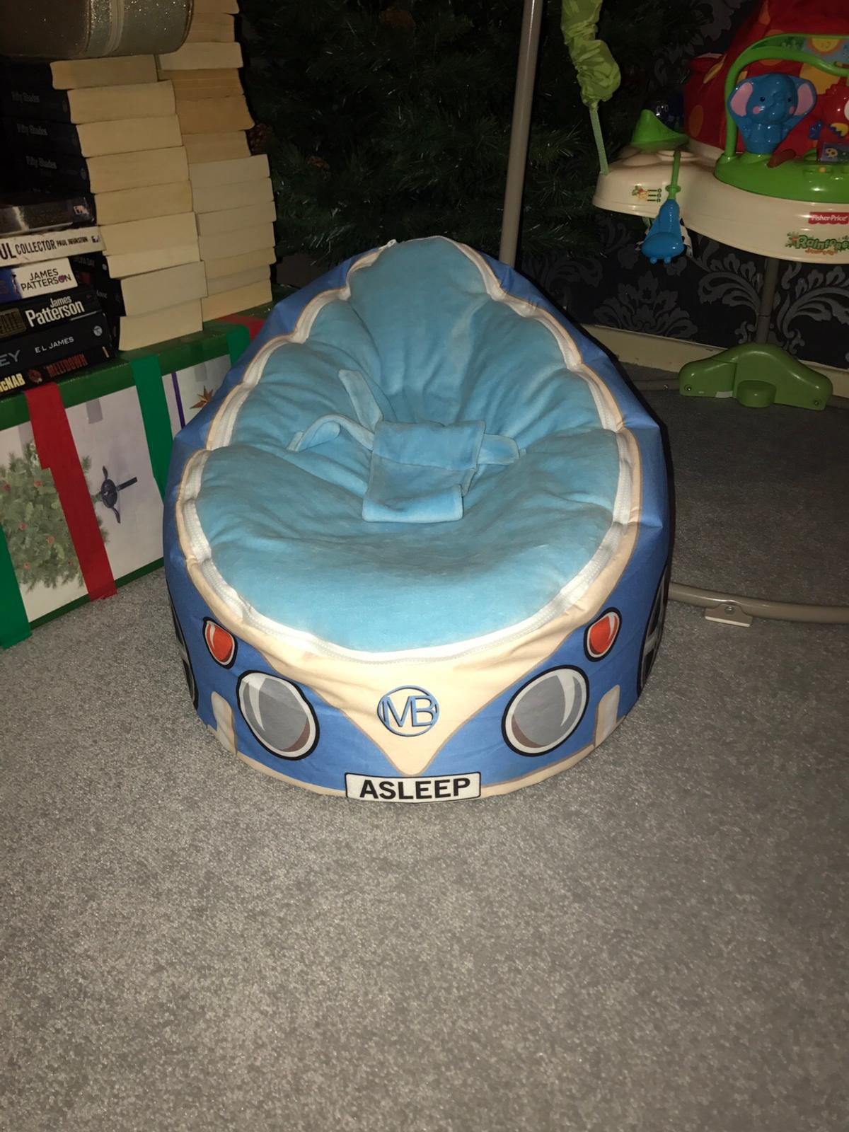 COOL Car Baby Beanbag - Removable covers so can be washed. Also adjustable harness.