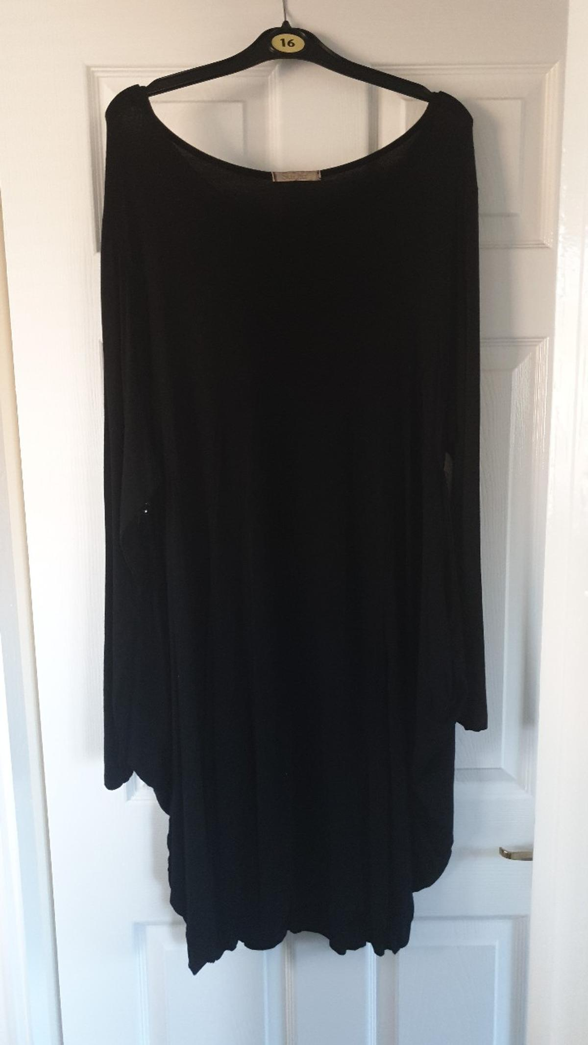 one size up to approx 16 Hardly worn, good condition side buttons as shown and can also be worn draped down prefer collection but happy to post if buyer covers the postage
