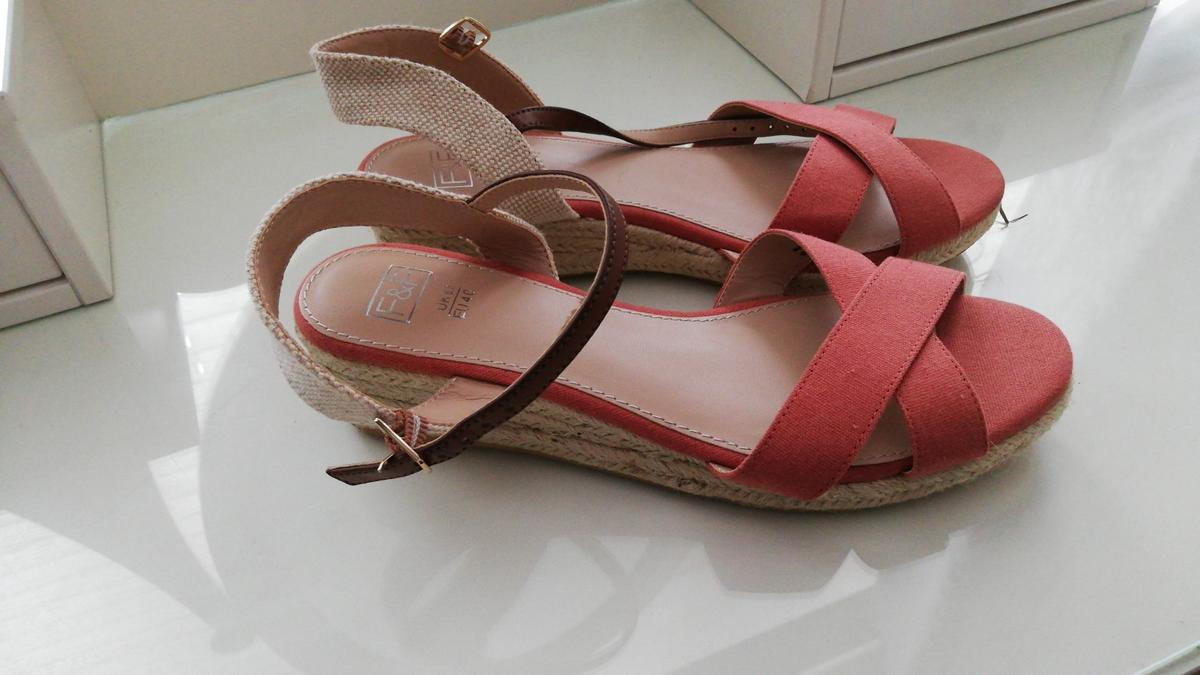 Ladies sandles 6.5 new