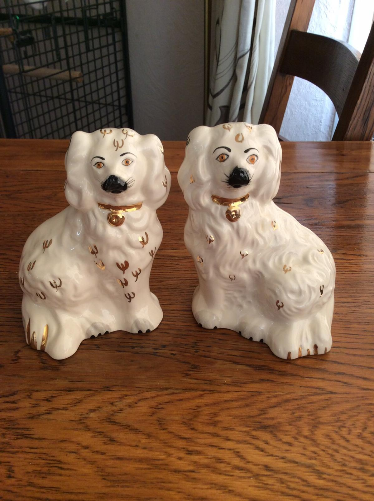 Small pair of beswick dogs excellent condition £10 the pair collection only