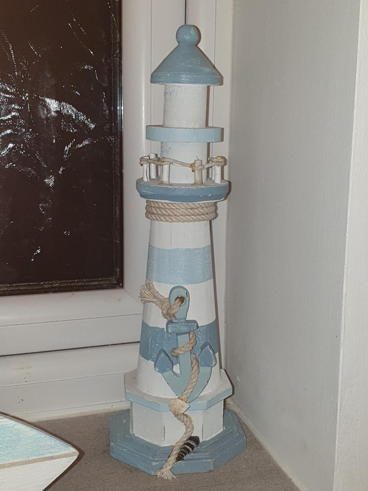 Nautical bathroom themed lighthouse⛵  Excellent condition  WONT POST.  Have a l👀k at my other nautical themed items for sale!