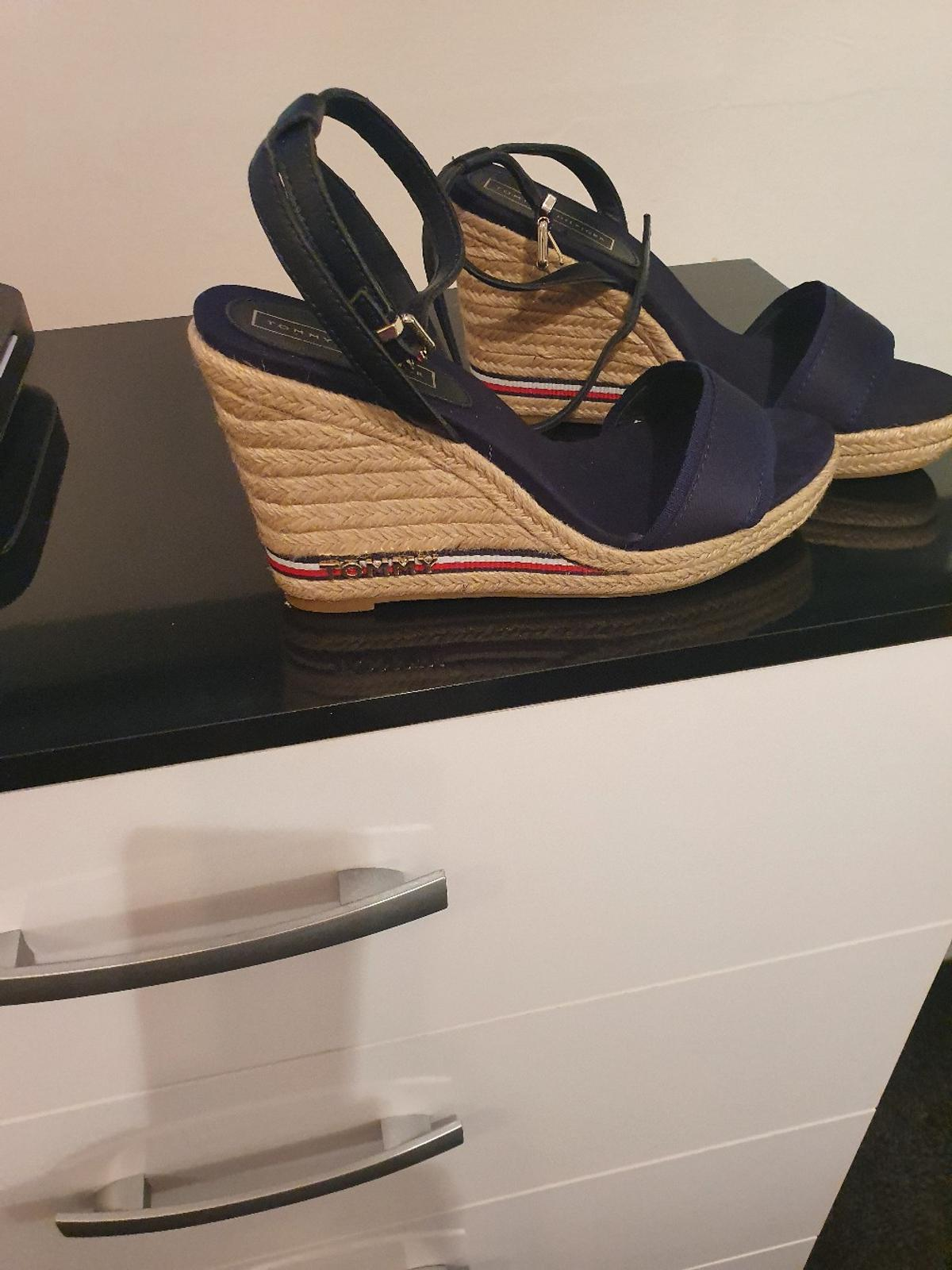 Tommy Hilfiger wedges size 7 never worn collection only