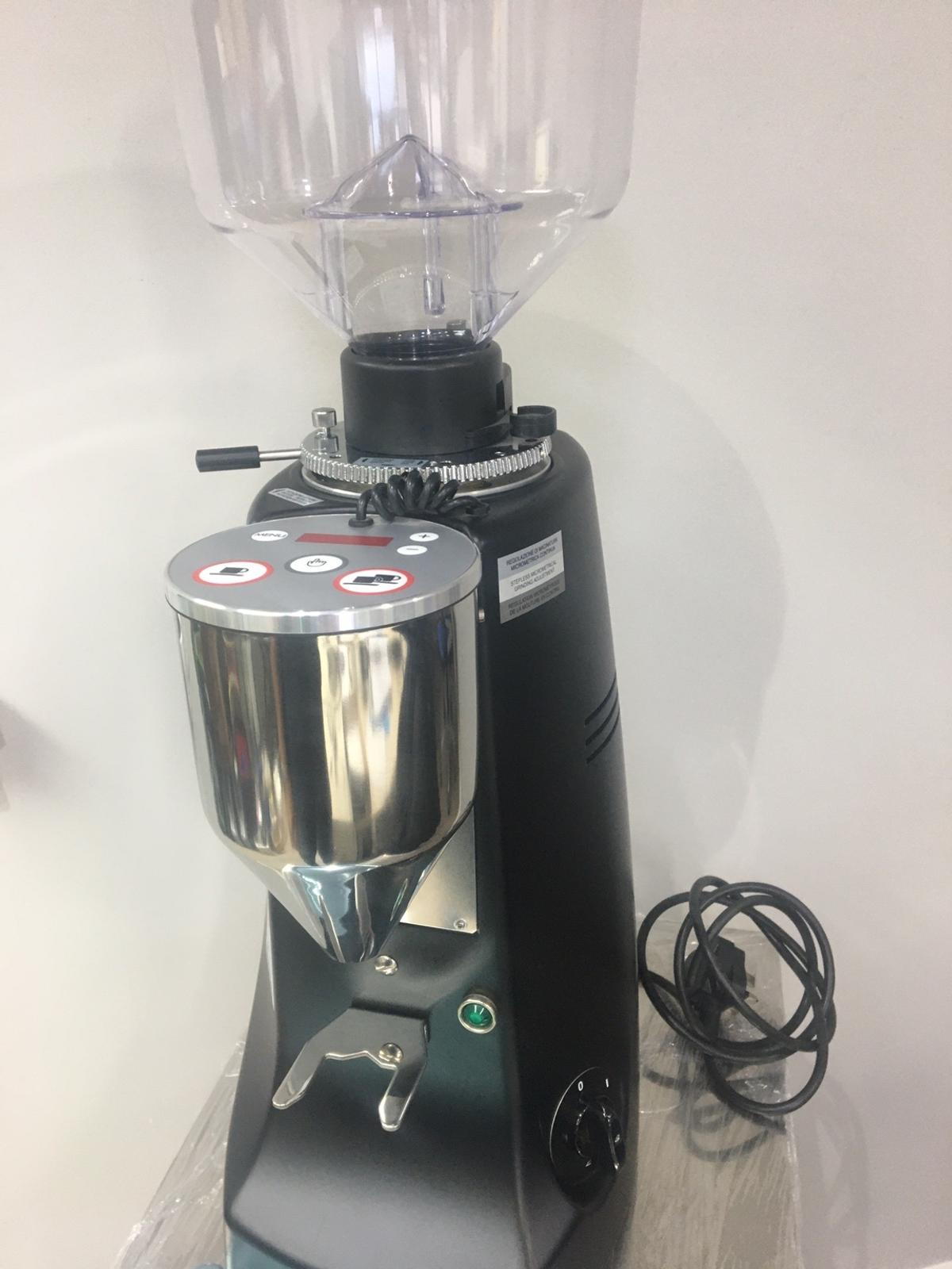 This is the super powerful Mazzer Robur Electronic for high demand and busy café s