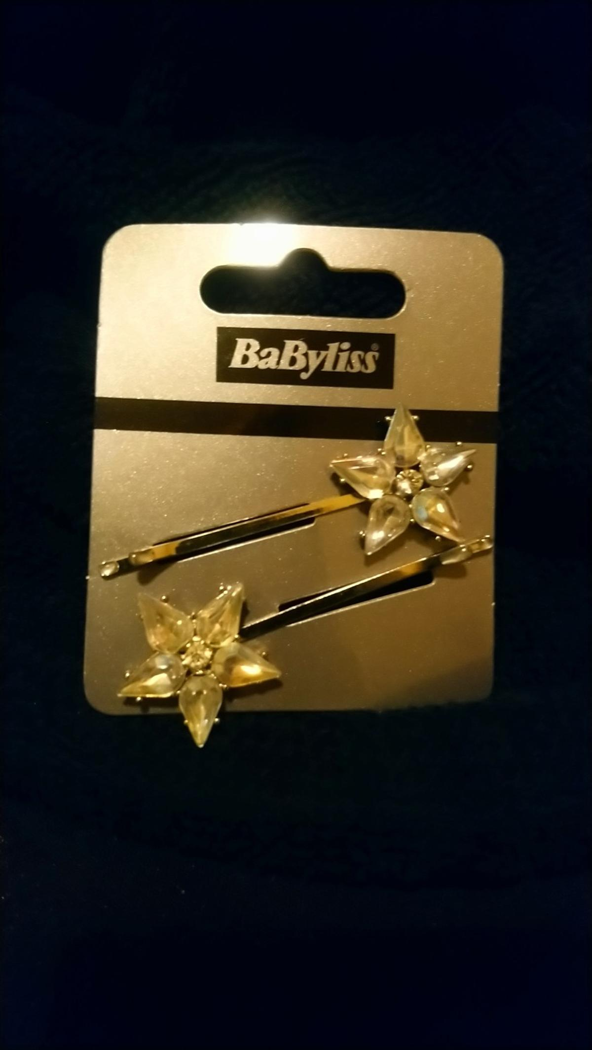 Diamanté and glass star flower shape hair pins, brand new. —----- Bush Hill Park area (selling for friend in EN1)