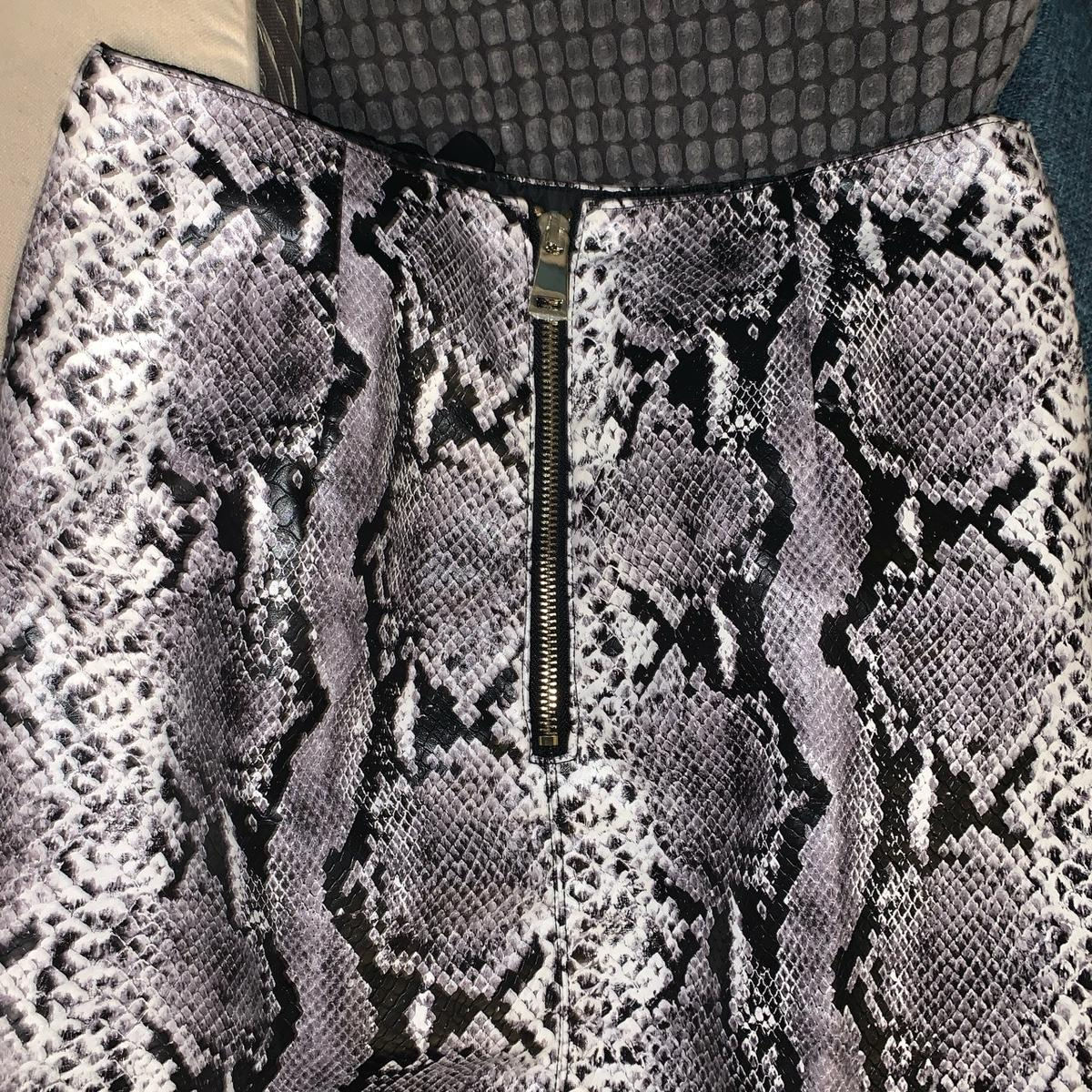 River Island Faux Leather Snakeskin Pencil Skirt Size 6 Good condition  Not #PLT #NastyGal #NFD