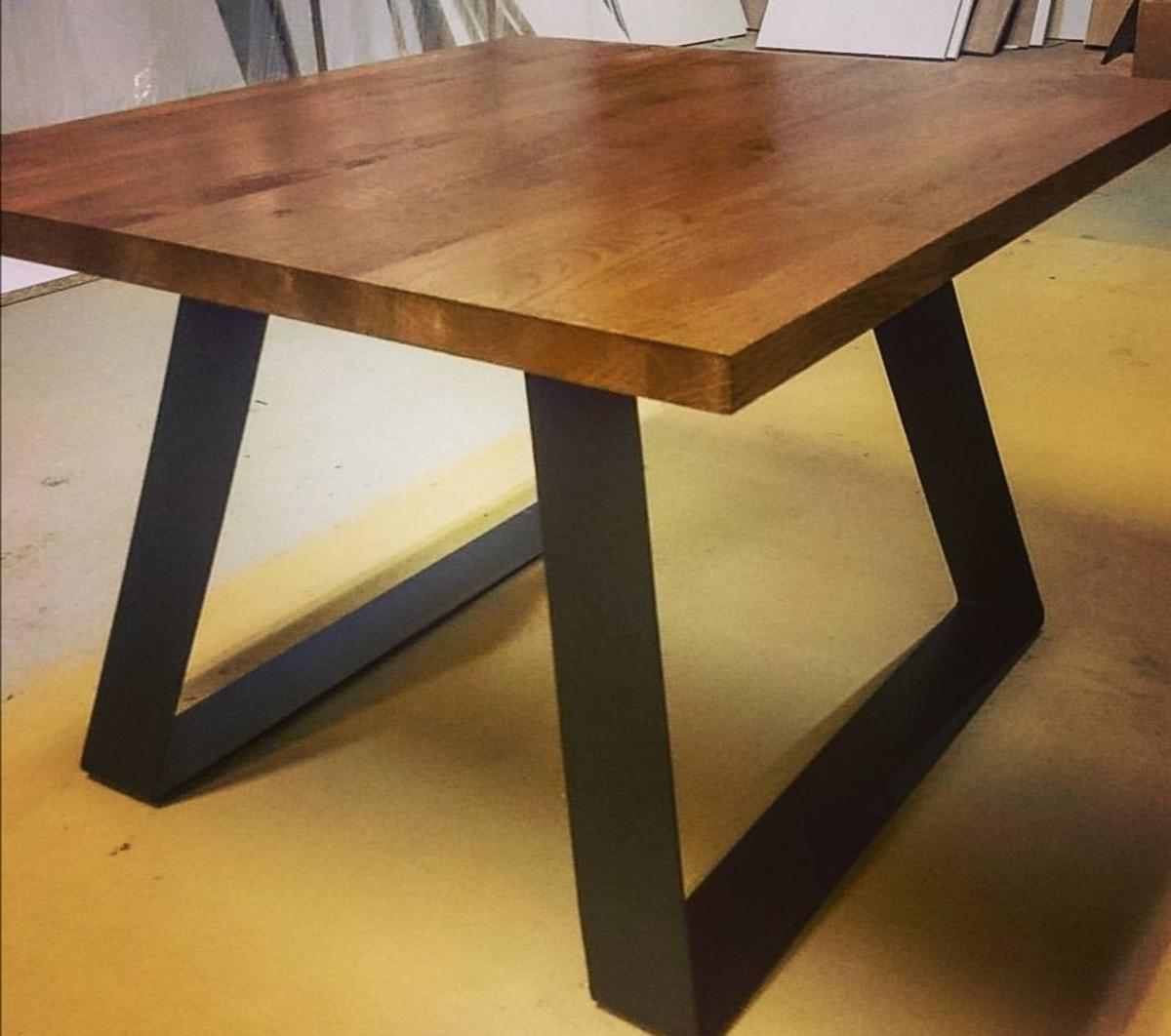You can choose a colour of your lovely Coffe table. Solid steel legs and wooden worktop makes your Coffe tasty!