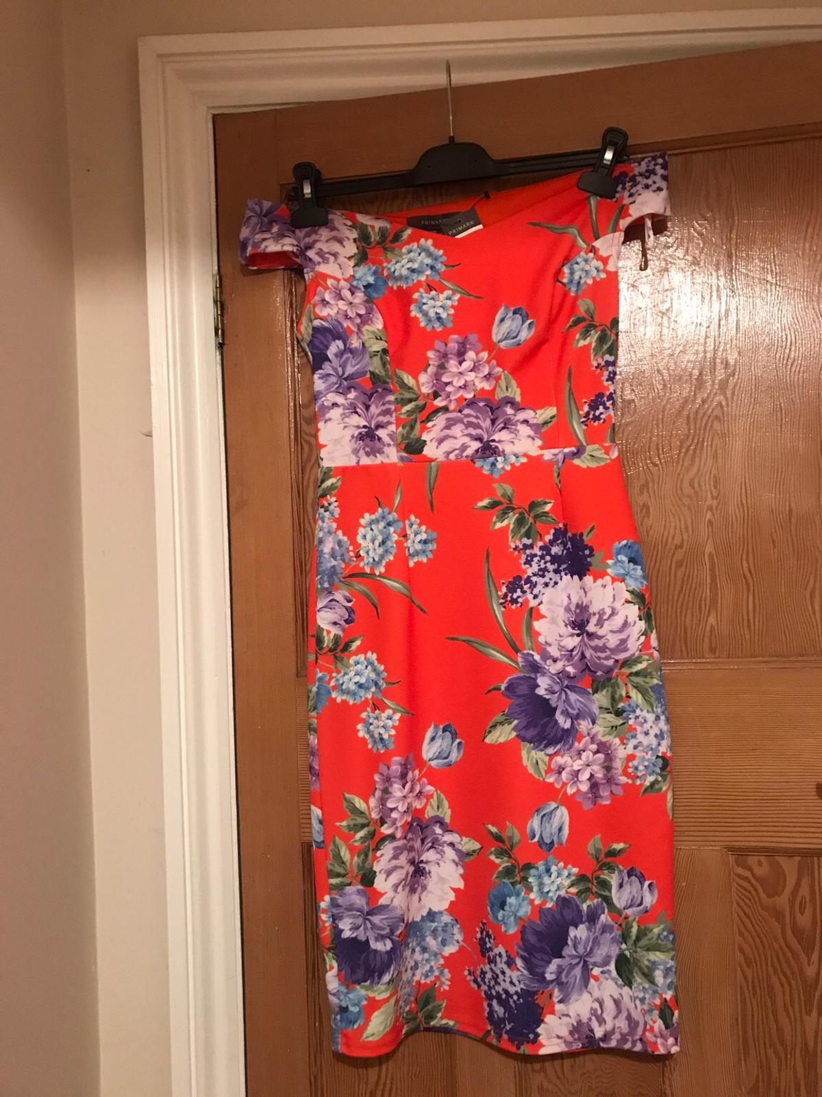 Gorgeous dress , perfect for the races or an event . Collection only
