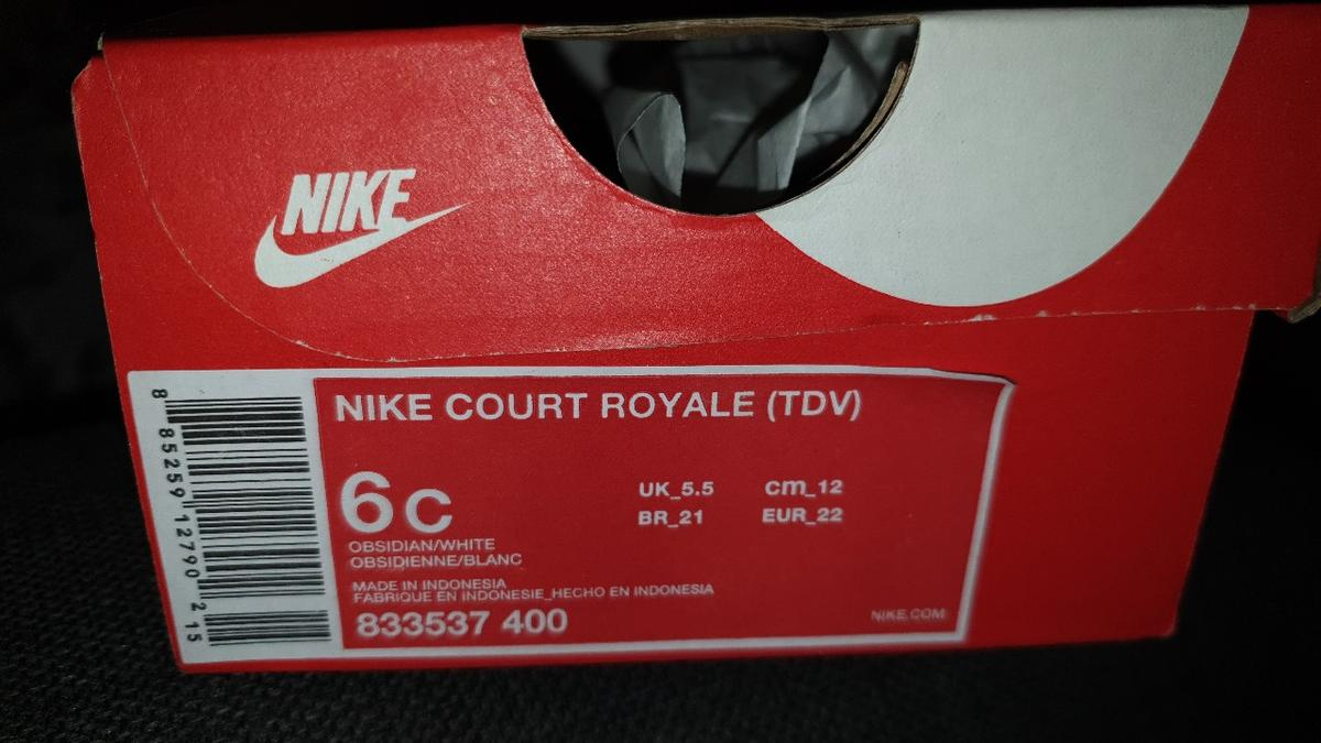 navy blue and white court royale size 6c - uk 5.5 collection only