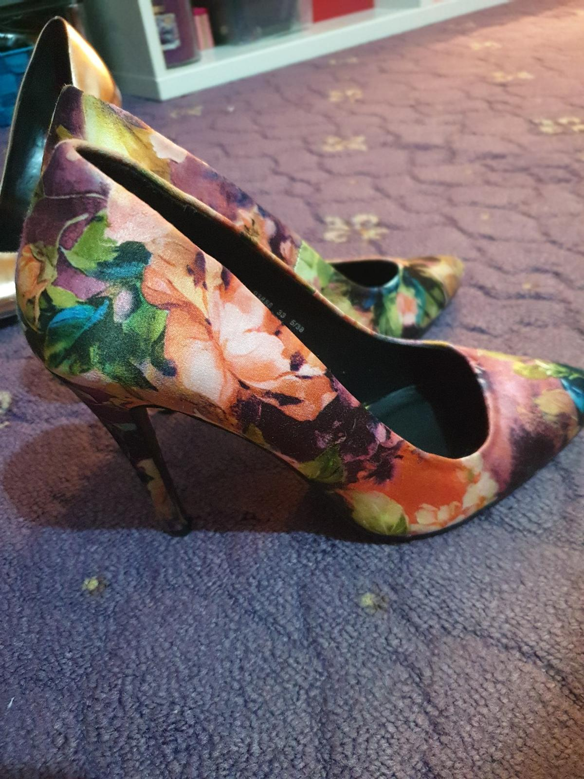 Colourful And Floral Heels Size 5 From Primark. Have Been Worn A Couple Of Times Condition Is Still Good, Please Take A Look At Pictures, Heel Is In Great Condition.