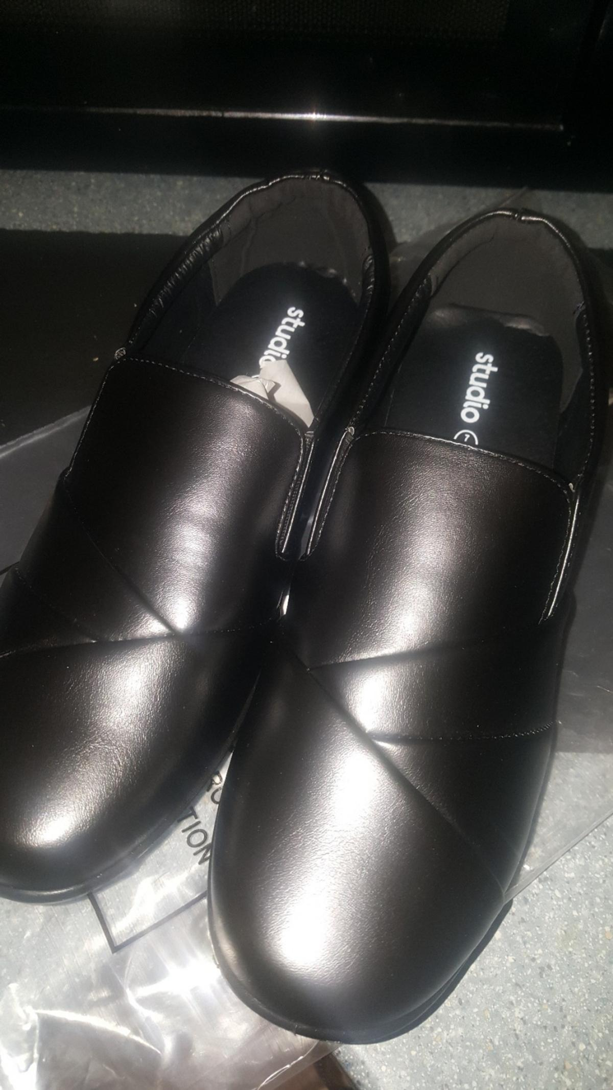 Studio shoes size 7 never been worn.
