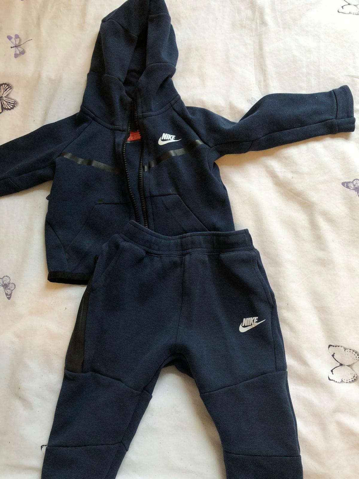 Boys navy blue nike tracksuit 12-18 months. In excellent condition. Offers are welcome.