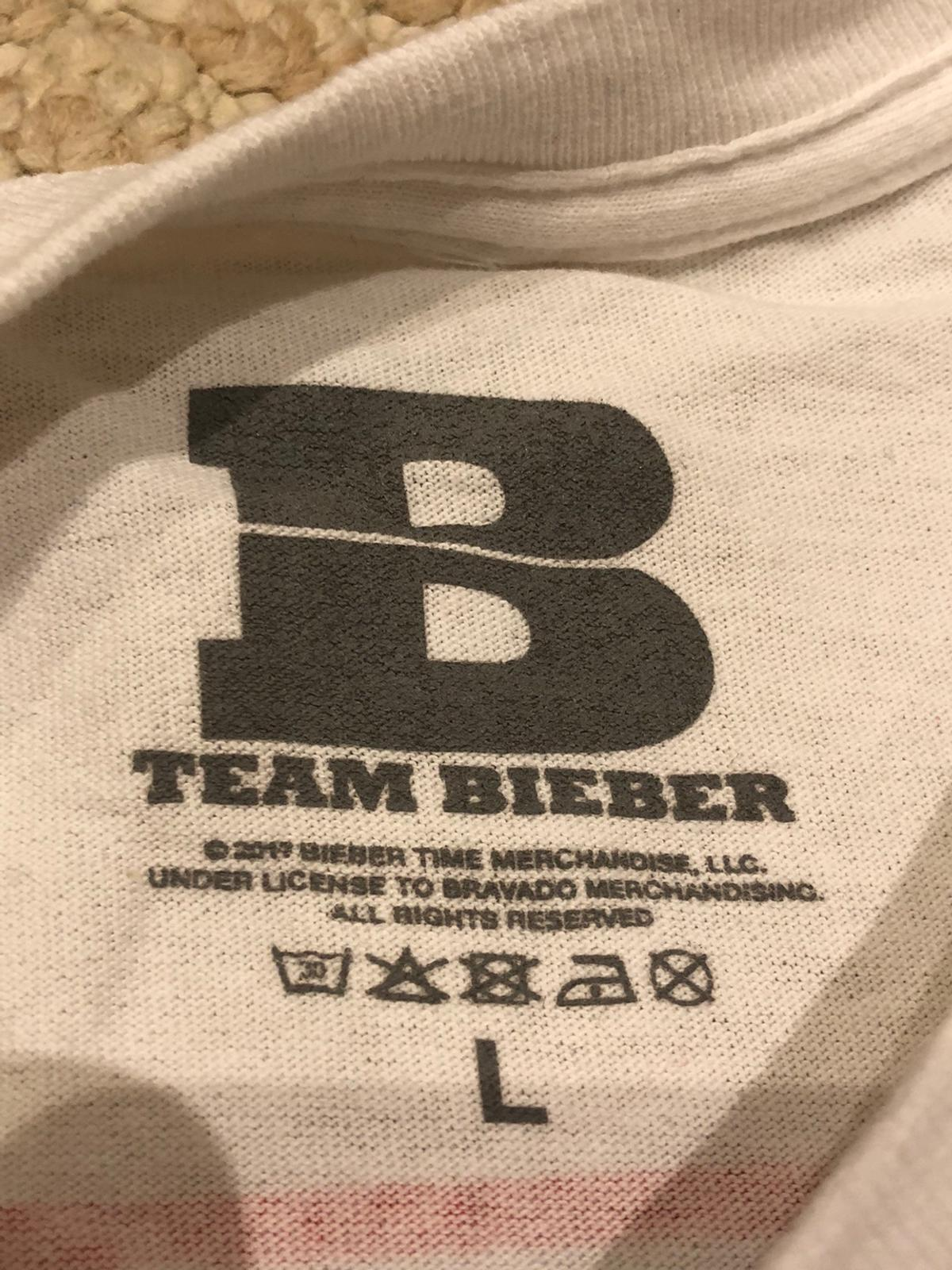 Real Justin Bieber 2017 stadium tour long sleeve shirt in large. Willing to negotiate.