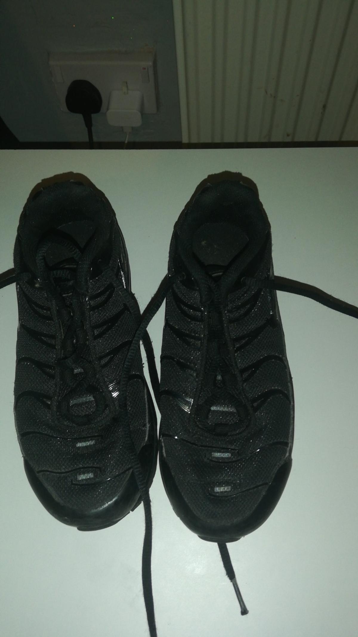 Good trainers size 1.5uk
