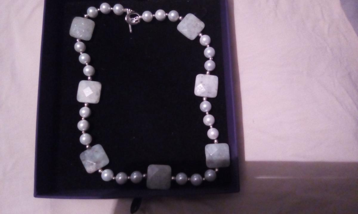 "AQUAMARINE & PEARL NECKLACE NEVER WORN 18"" IN LENGTH BUYER TO COLLECT Walton On The NAZE Area  Not Boxed"