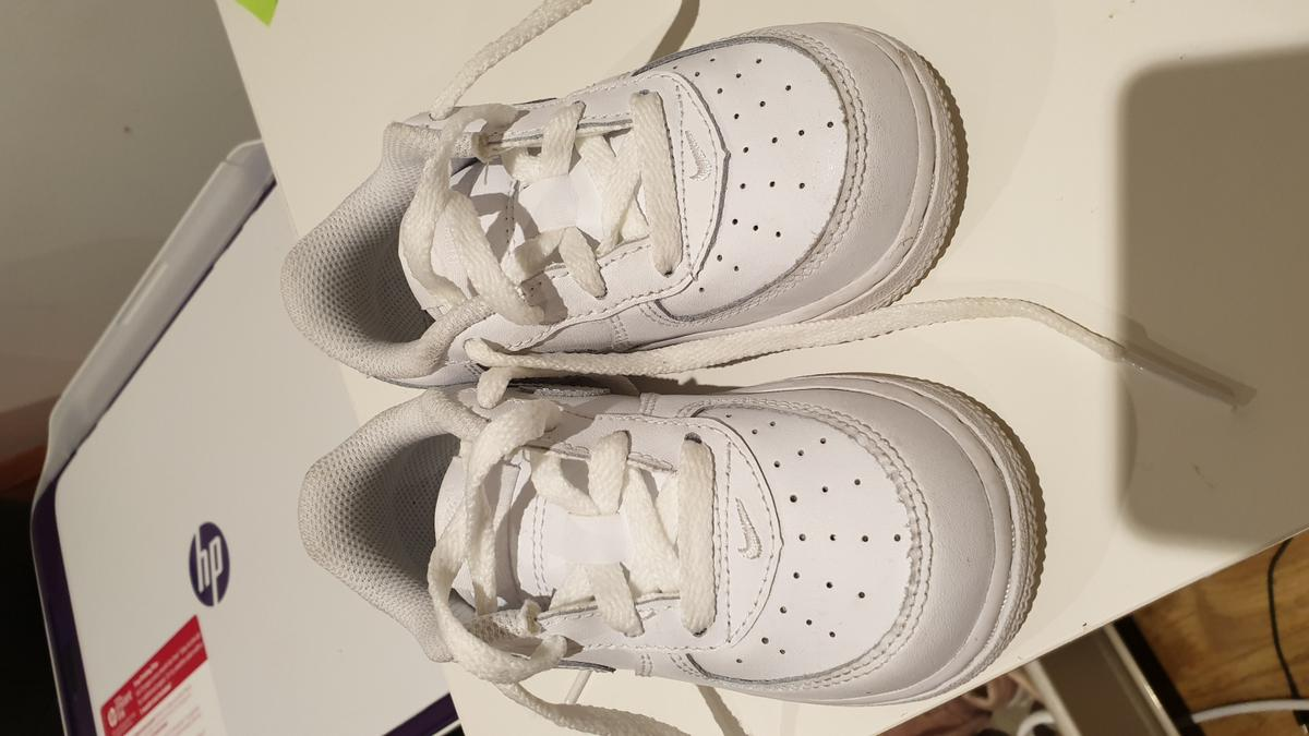 Nike airforce 1 shoes / toddler , baby Almost brand new. Worn like twice size 6.5 13cm