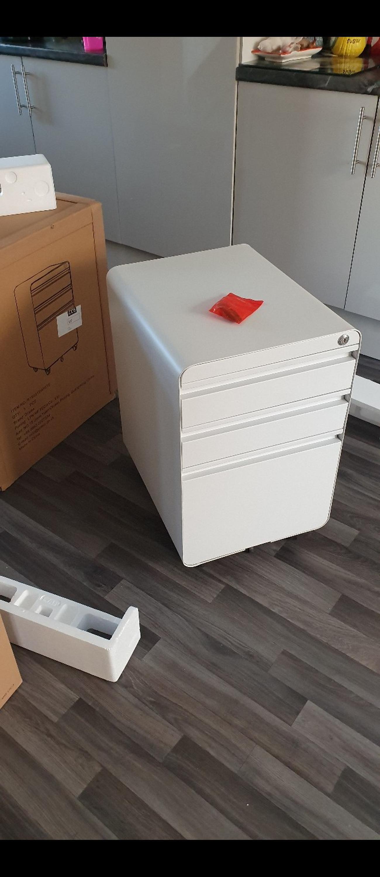 New, never use, still in box, been opened to take a picture. Dripex Fully Assembled 3-Drawer Mobile File Cabinet for A4 File, Lockable Metal Filling File Cabinet with Hanging File Frame and Anti-tilt Design Office Rolling Vertical File Cabinet can be delivered local, for extra £5