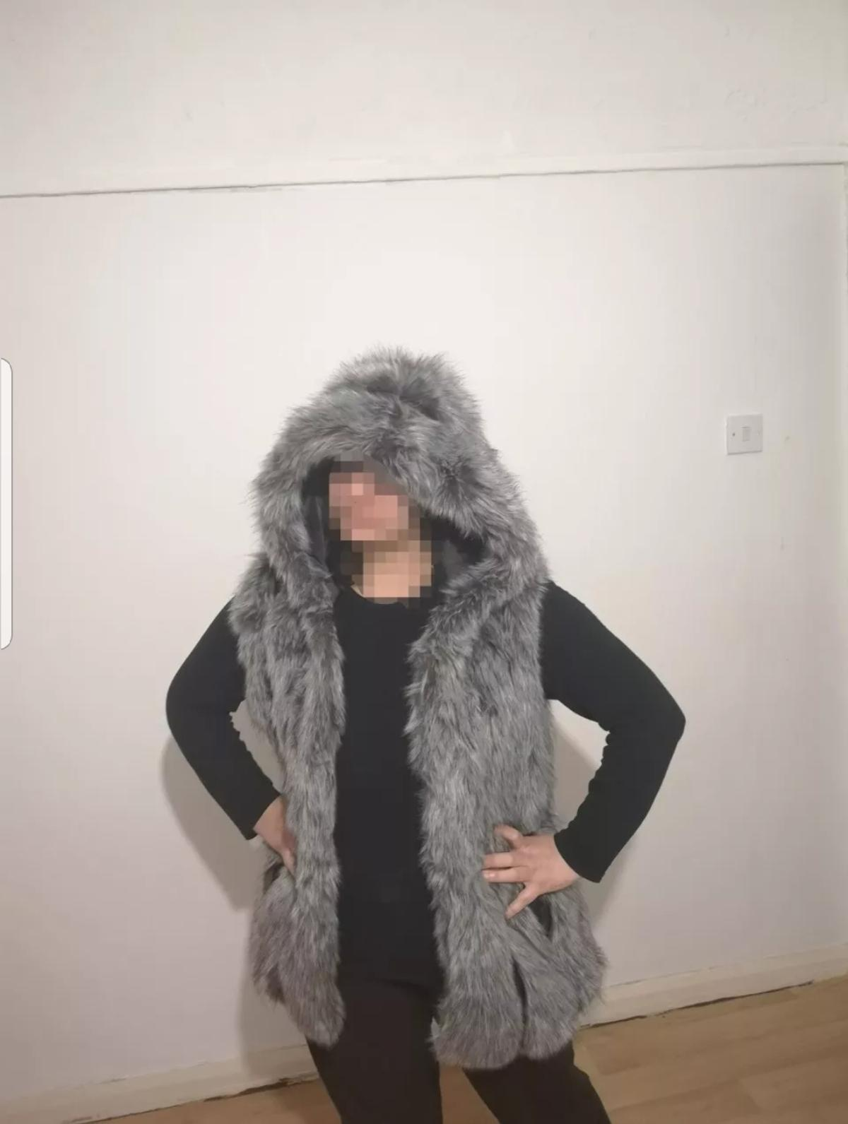 - real fox fur hooded gilet. - perfect for the winter. - available in the sizes, Small,Medium, Large. only 8 of these available so be quick!