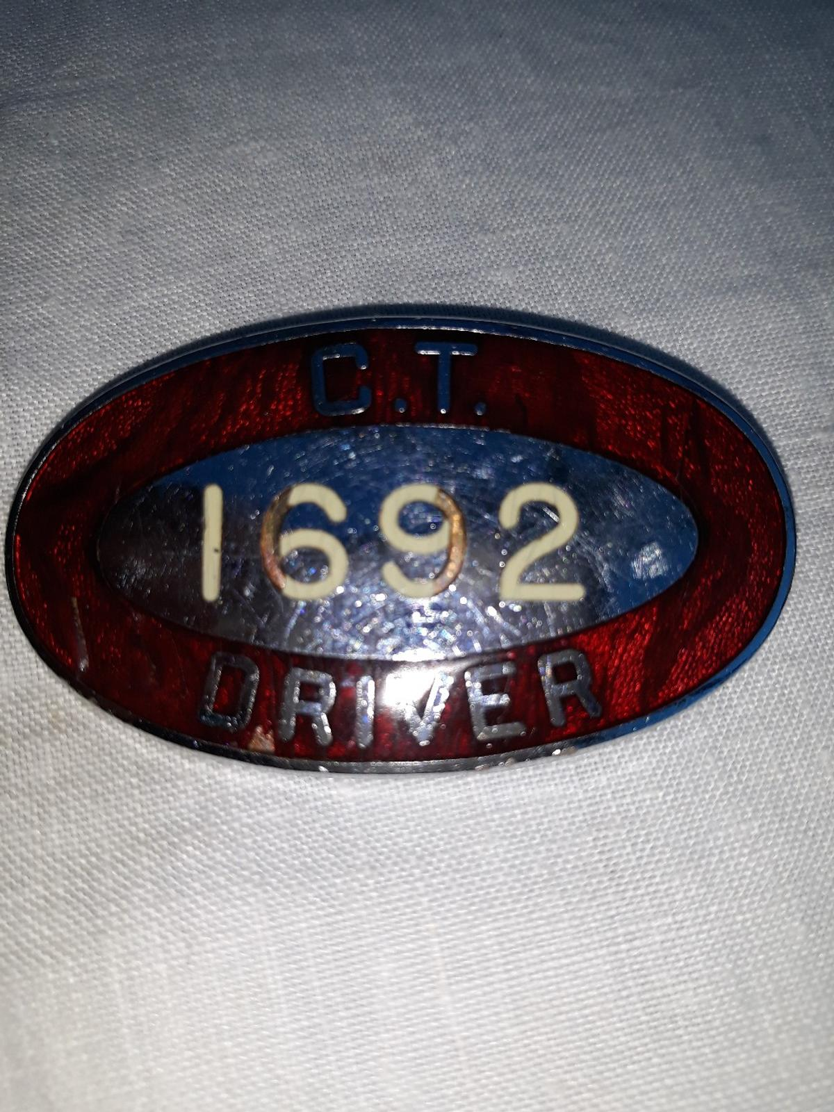 vintage bus Drivers cap badge does show some signs of wear and tear in places believed to be from 1960s? what inwas told when I bought it approximately 10years ago COLLECTION only within 48 hours regards