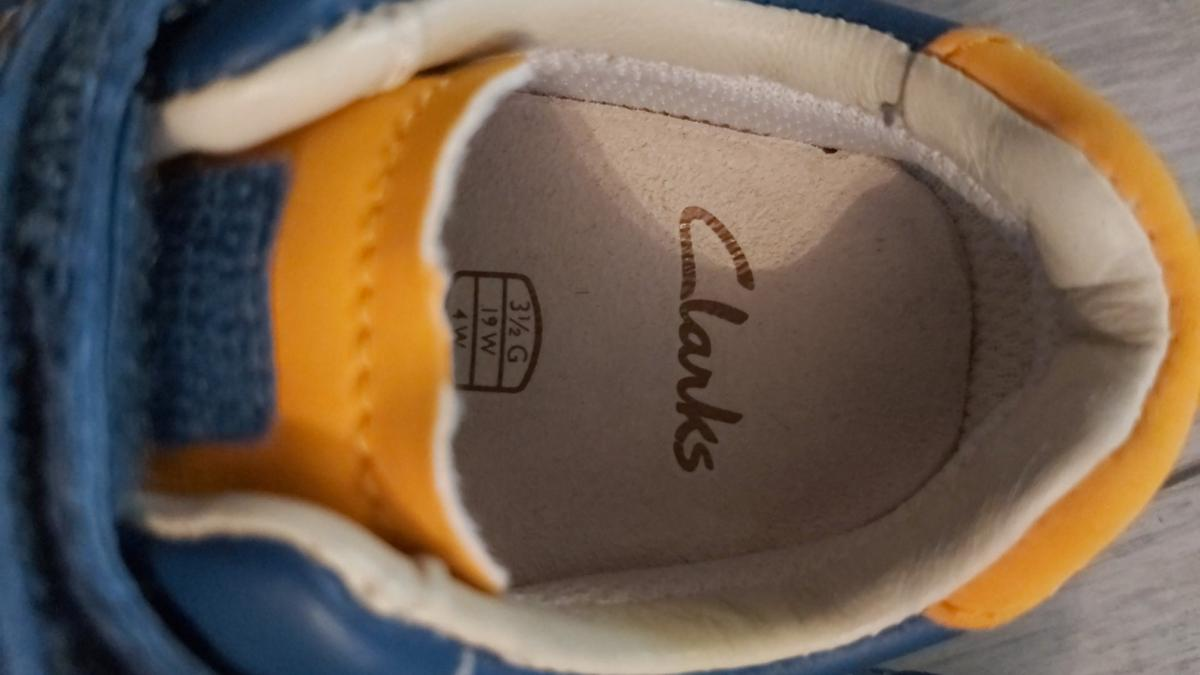 New baby Clarks shoes in size 3.5G. New condition never used.