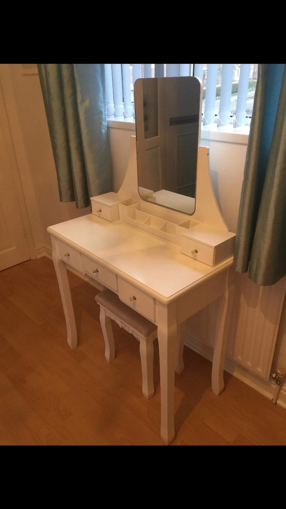 Beautiful dressing table & chair for sale.  Excellent condition. Will compliment any bedroom or dressing room.  Height (to table top) 75cm Height (to top of mirror) 135cm Width 79cm Dept 40cm  Collection from S12.