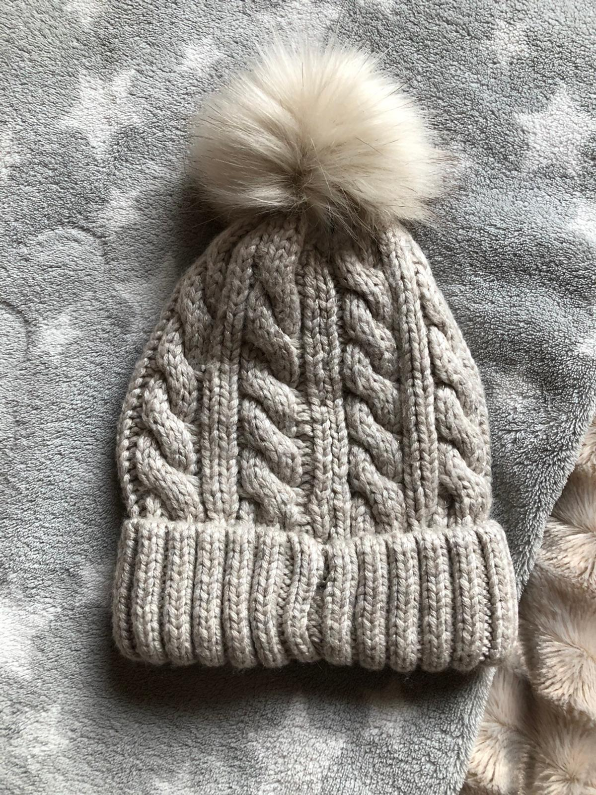 A lovely winter hot for kids from Next One size. £5
