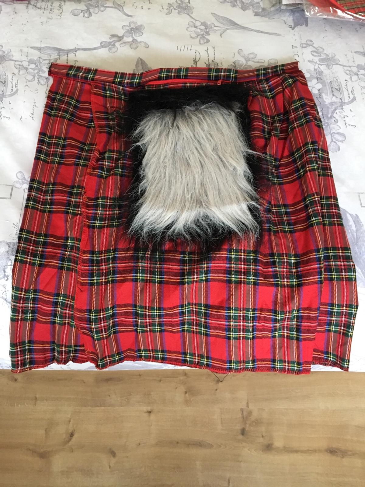 Men's kilt and sporran purchased for a BN party which has now been cancelled. One size, Velcro fastening. 3 available.  Note - this is a kilt & sporran only  Local collection in Exmouth or post with additional costs below.  £10 each or all 3 for £25