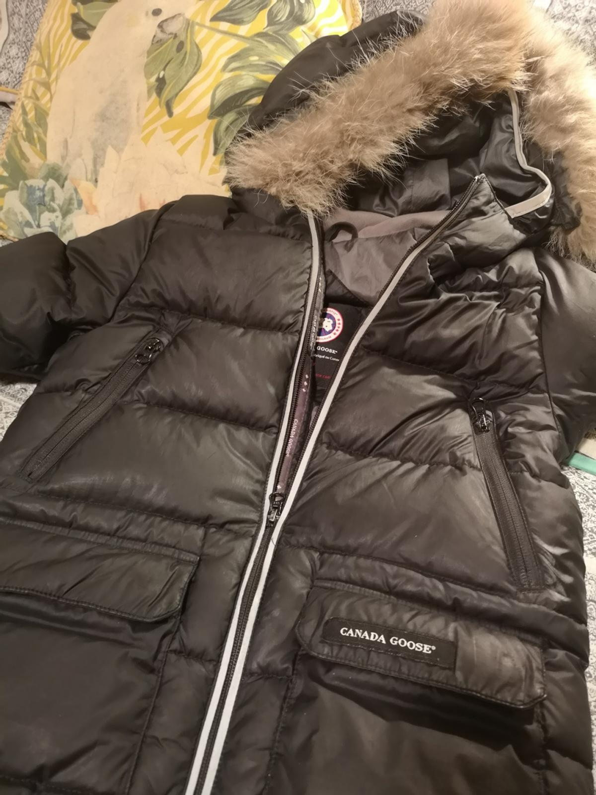 Size small, age 7 to 8. In excellent condition except for some of the reflective surface has rubbed off the sleeves. I've used flash so it's really noticeable but hardly seen in natural light. These cost over £500 new. Grab a bargain at £50