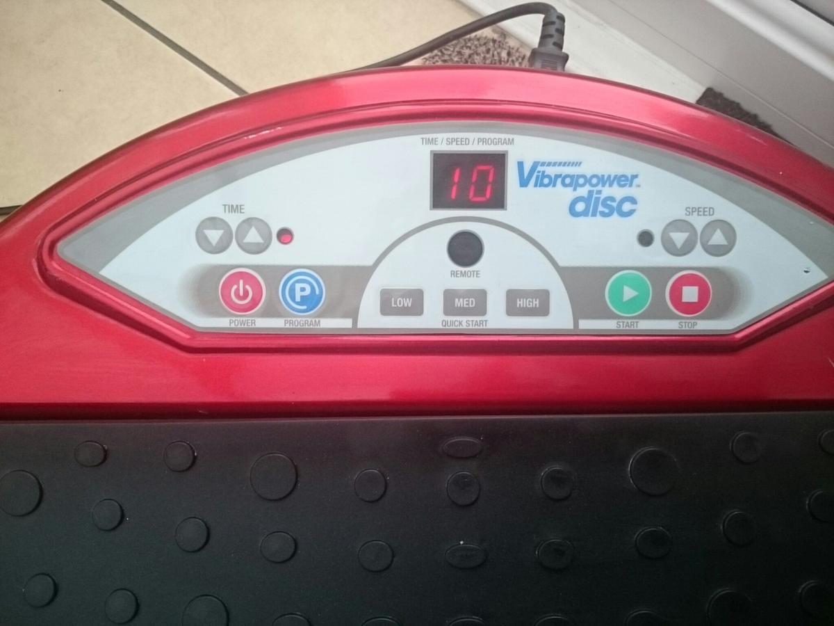 Vibrapower Disc Vibration Power Plate Excercise Machine *Workng*  Condition is Used but in full working order.Handles of the side. Also has a remote control. can easily by DVD from ebay. collection only from Hall Green Birmingham This item is fairly heavy.