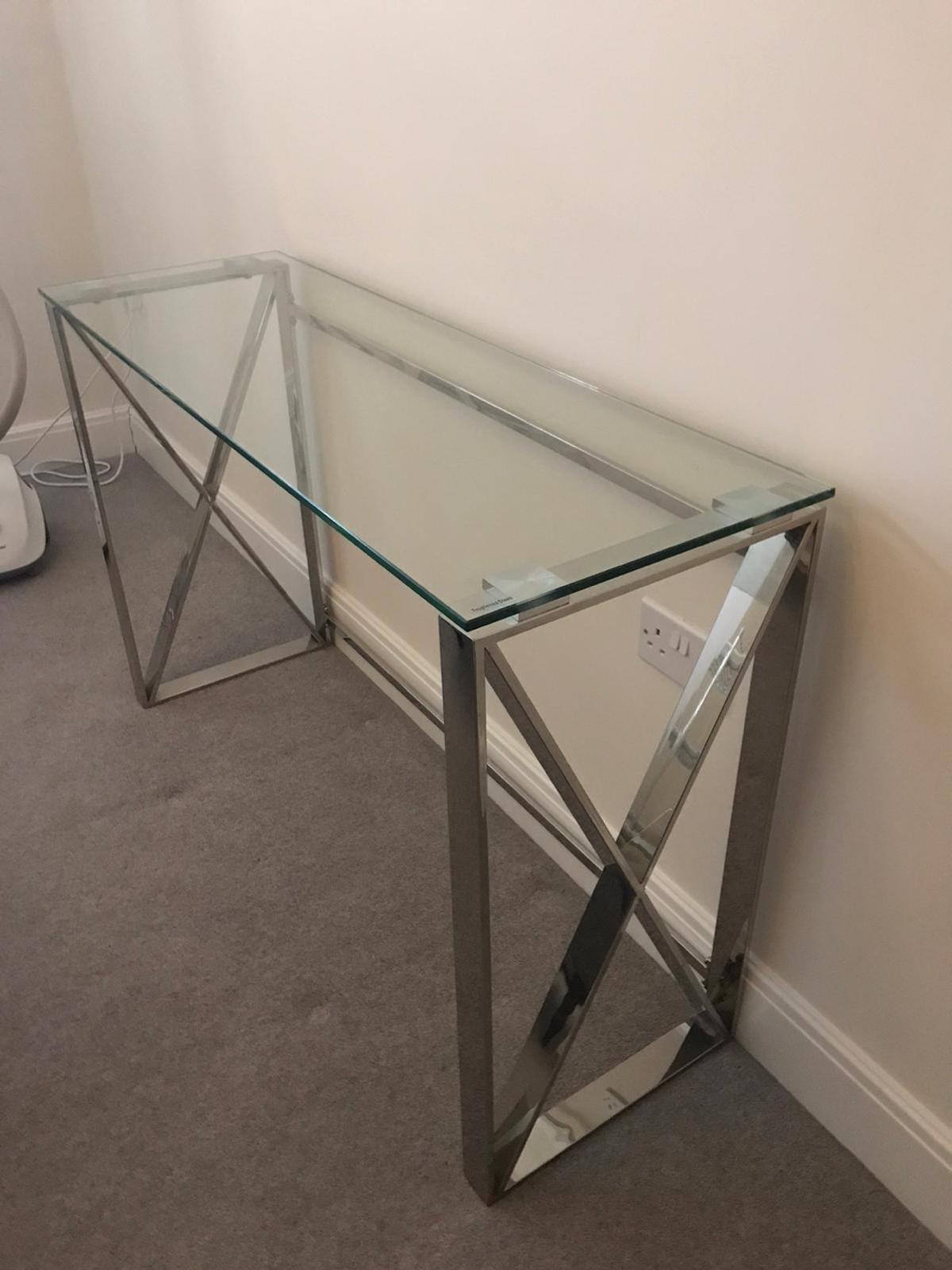 Picture of: Console Table In Rh10 Crawley For 50 00 For Sale Shpock