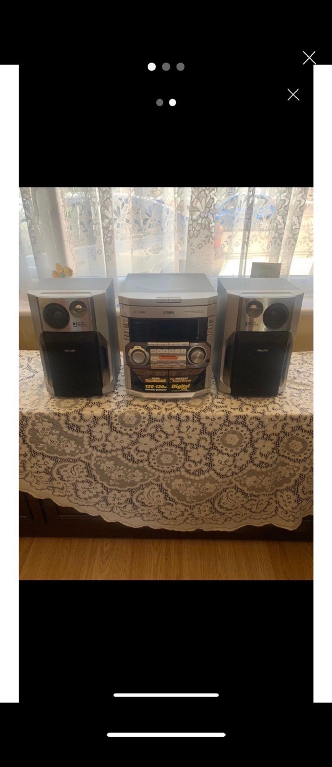 Philips hi-fi system 3 cd muti changer Twin cassette 120x120 watts Very powerful and lovely sound Good working condition £25 ono