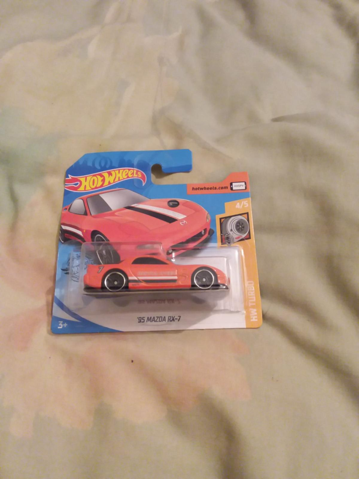 selling one hotswheels 95 Mazda rx 7 car much pick up cash on collection or can posted it frist class signed for