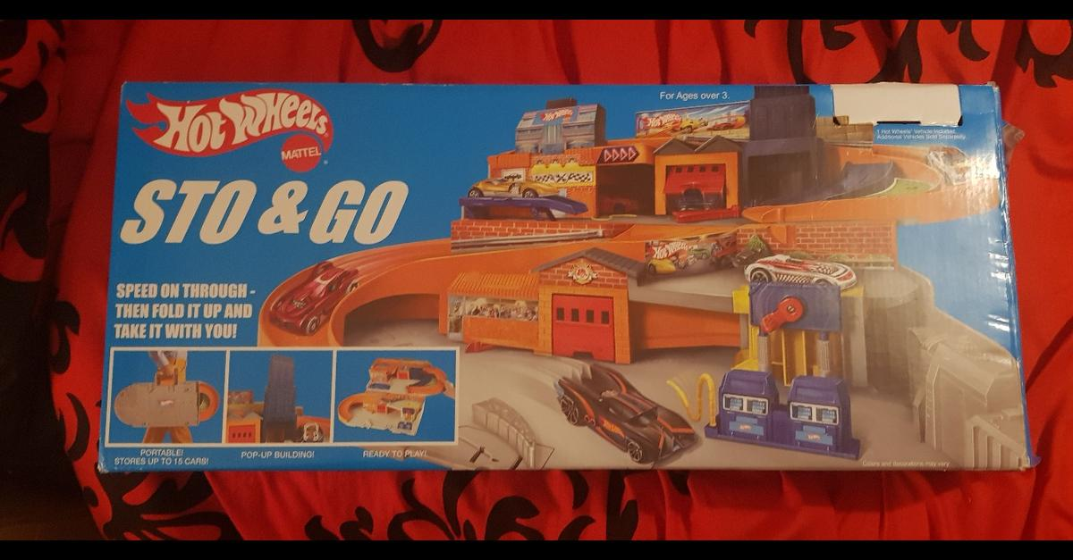 for sale is a hot wheels sto & go playset. 1 small piece is missing but other than that it is in good condition. connect & play to other tracks on the go.  collection Rawnsley
