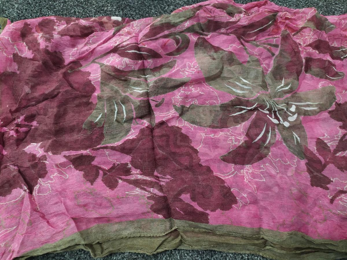 pretty frock style dress ideal for the summer with chiffon dupatta. Medium to large. check my wall for some others.
