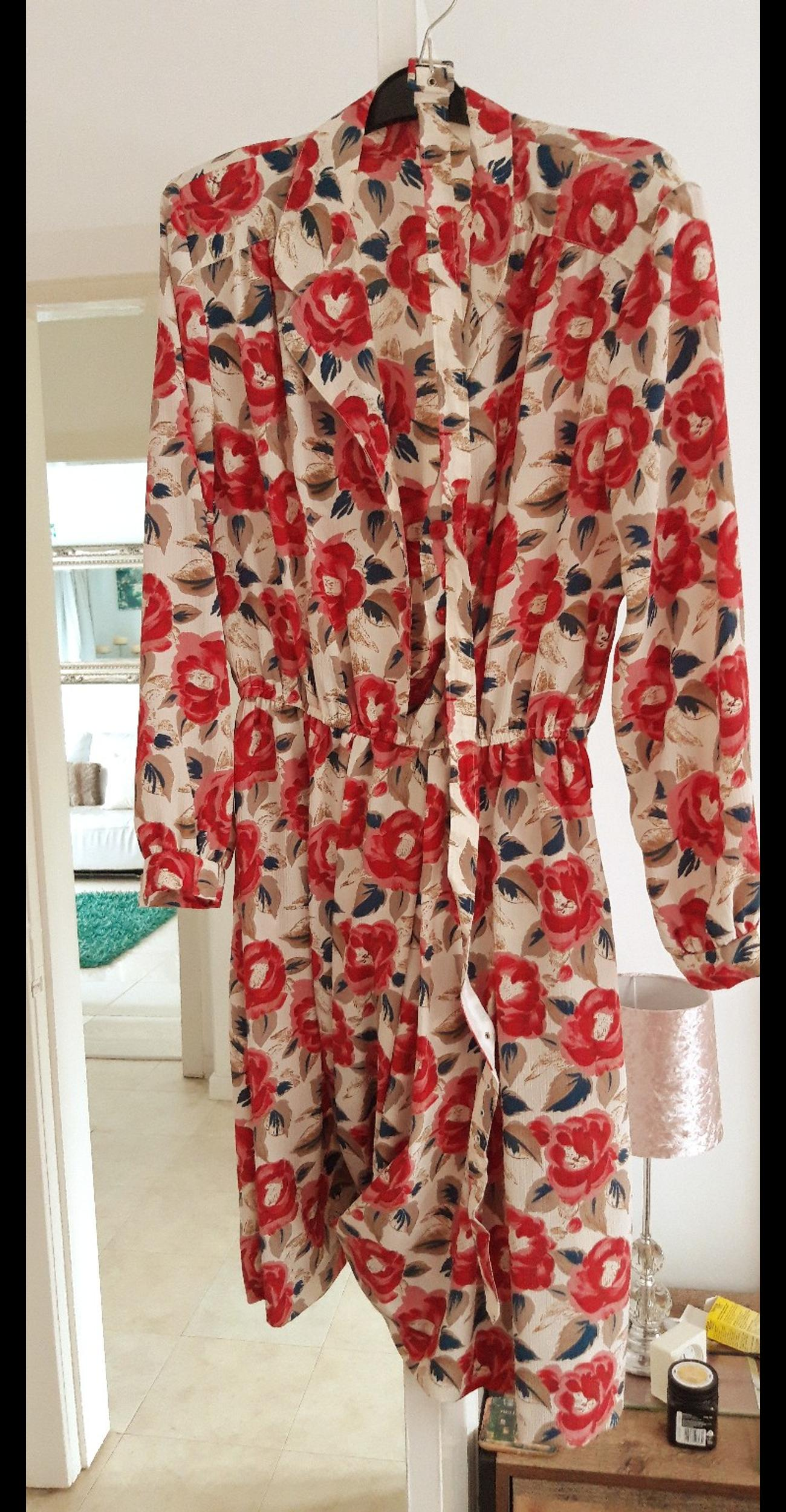 Wore this for a Vintage Fancy Dress. Size Medium dress. Perfect condition from a pet & smoke free home.