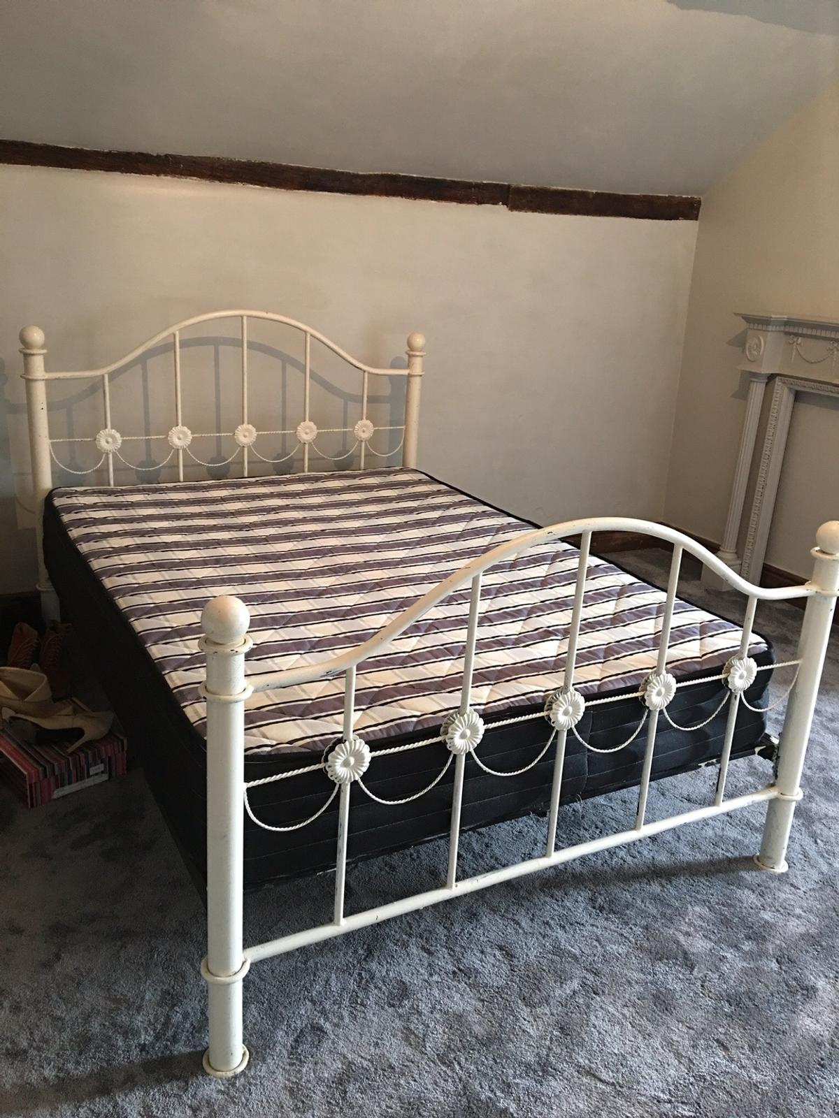 Great shabby chic project- FREE metal bed frame (double) Must collect from oswestry