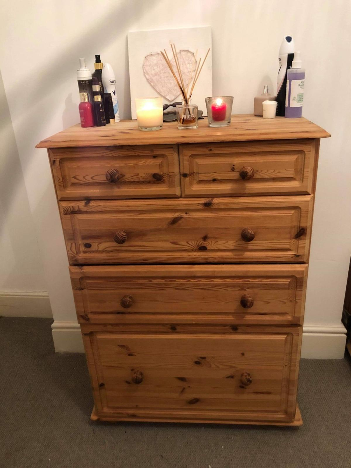 Set of oak chest of drawers  1x 5 drawer 2x bedside tables  Can be sold separately at £80 for the 5 drawer chest and £40 for both bedside tables