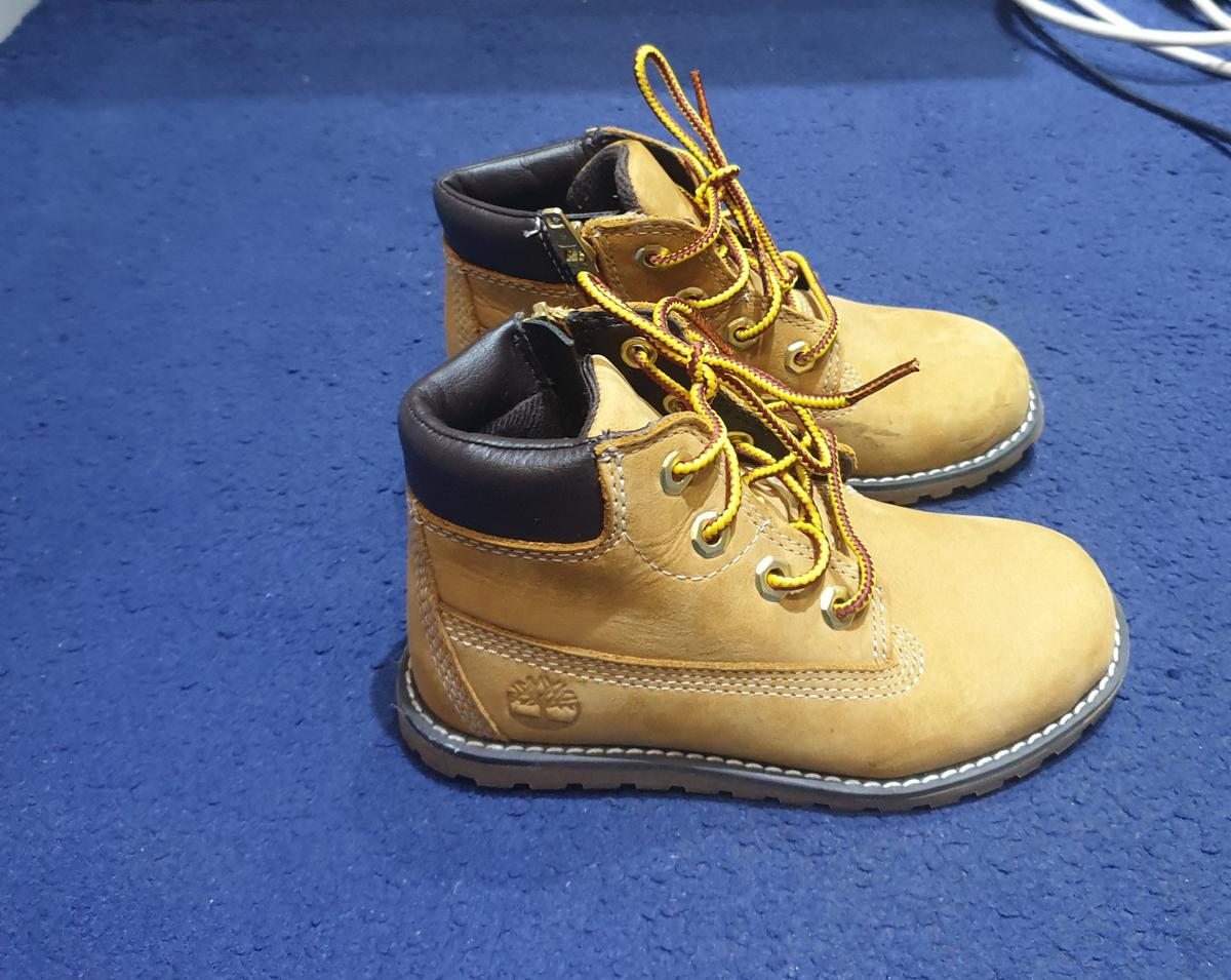 Timberland boots for boys size 9.5 UK. Only worn once.