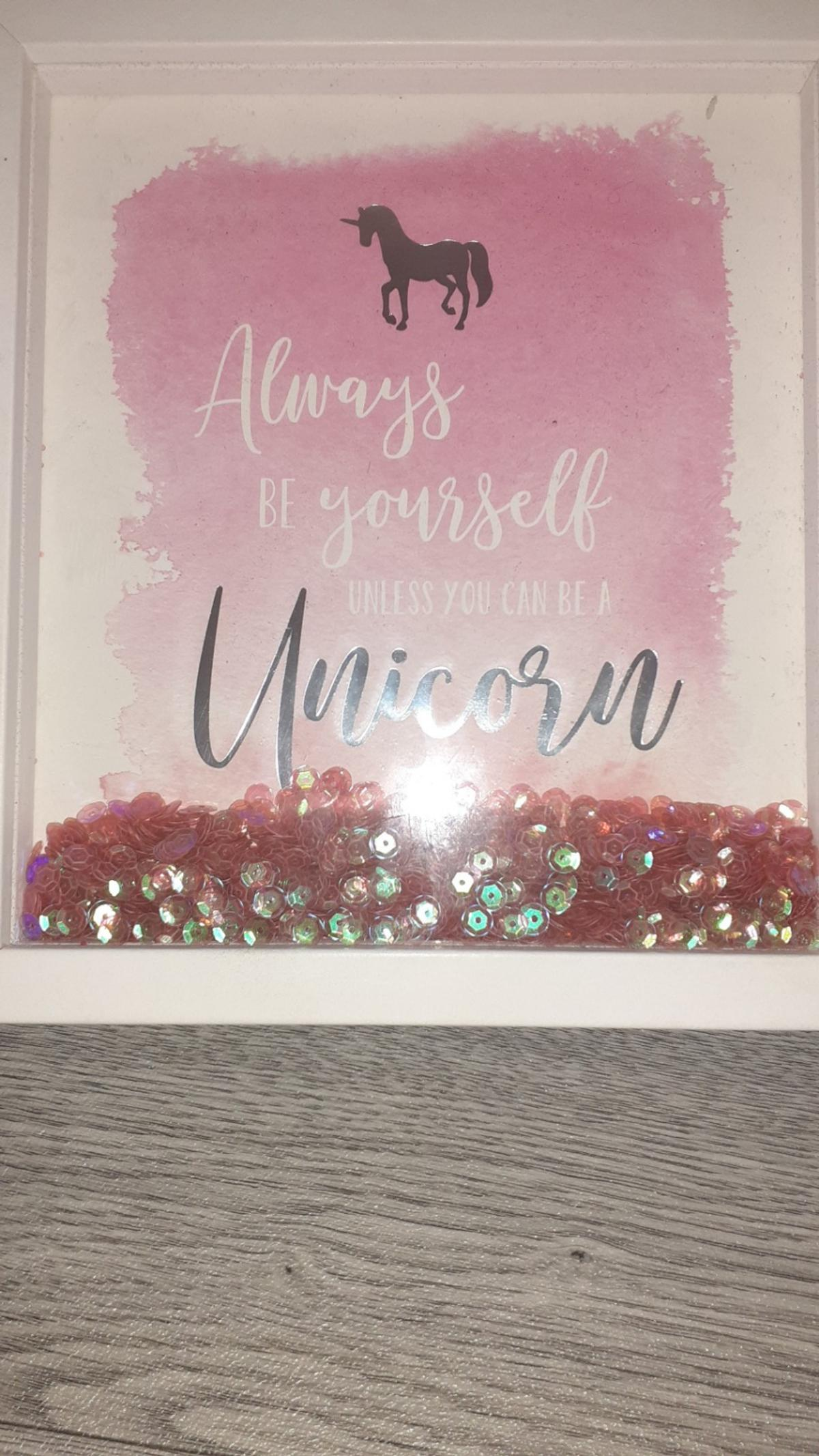 picture frame with Glitter that moves