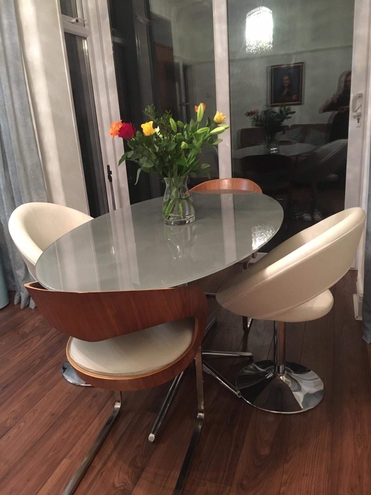 Dwell Oval Glass Dining Table & Chairs in L9 Liverpool für £ 9 ...
