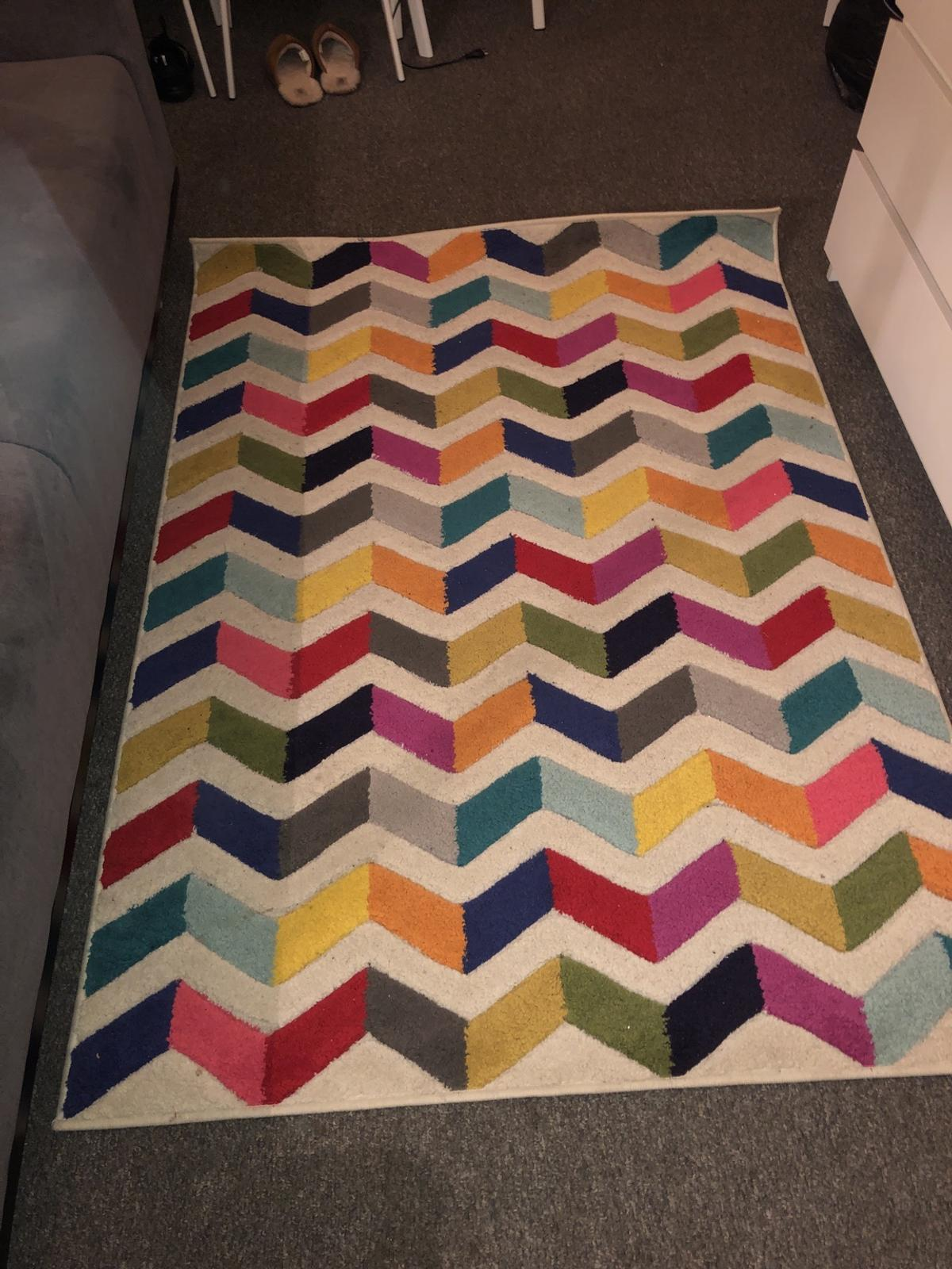 Colourful Rug In N1 London For 30 00
