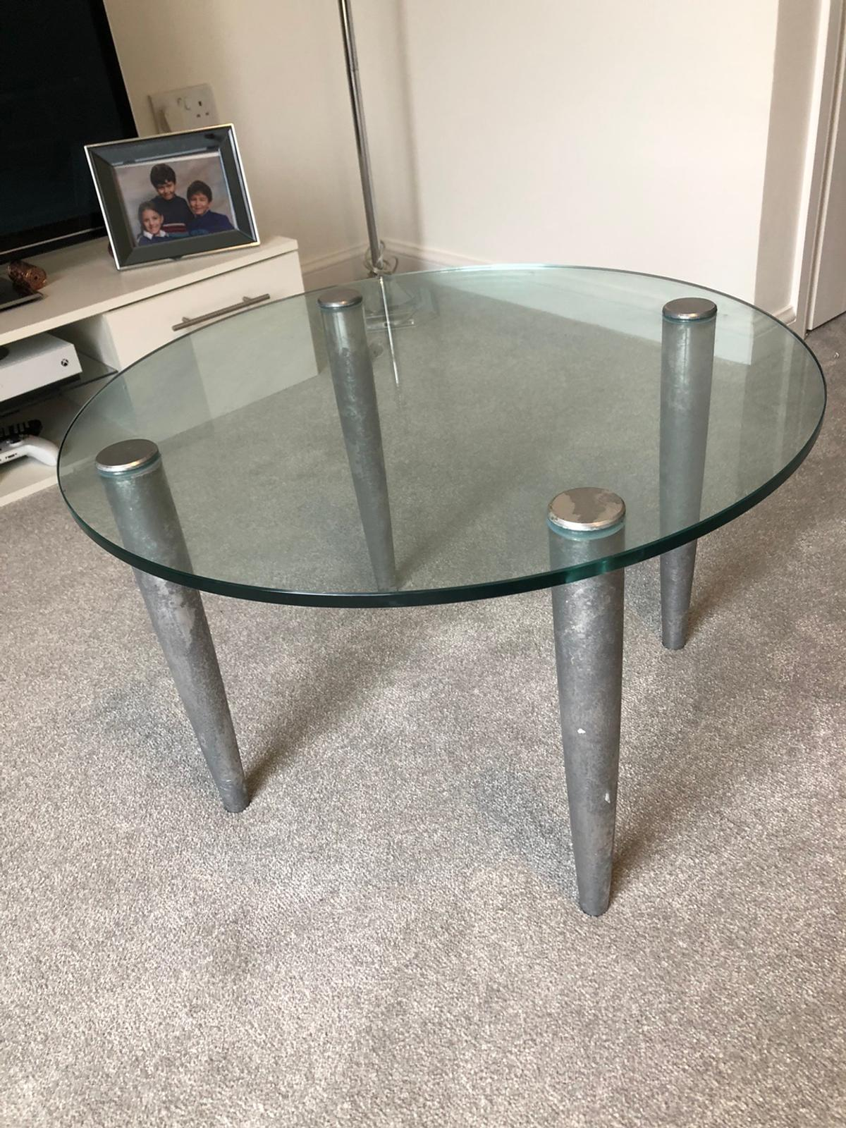 Round Glass Coffee Table In Horsham For 20 00 For Sale Shpock