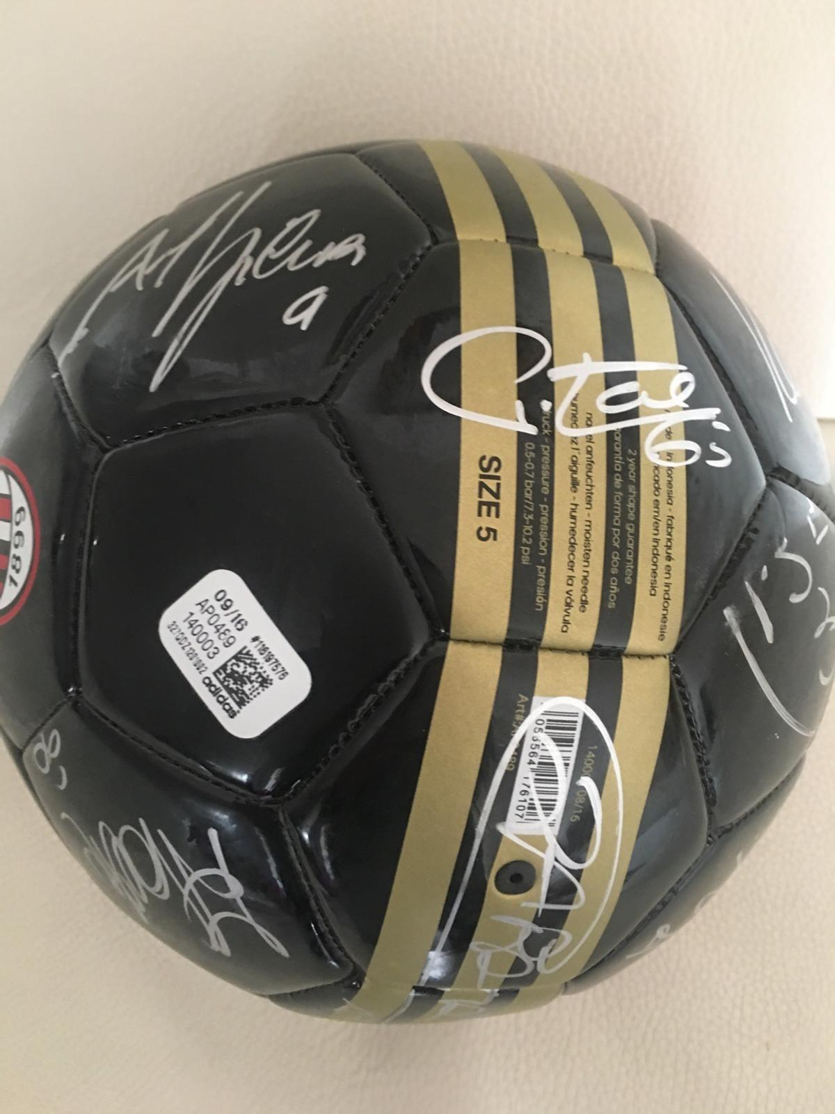 Wish drifting Handful  Pallone Milan Autografato 2016/17 in 2014 Milano for €35.00 for sale |  Shpock