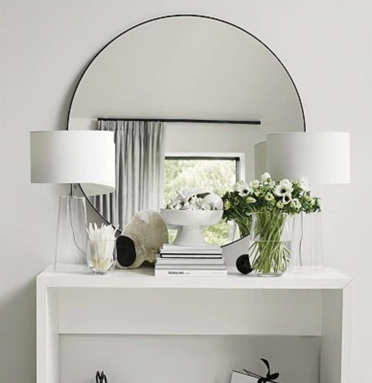 The White Company Chiltern Large Round Mirror In Babergh For 195 00 For Sale Shpock