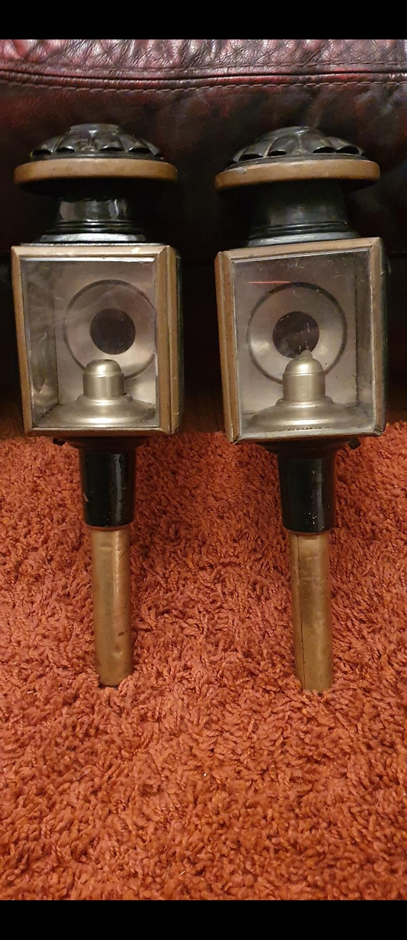 antique horse and carriage lamps in DL1