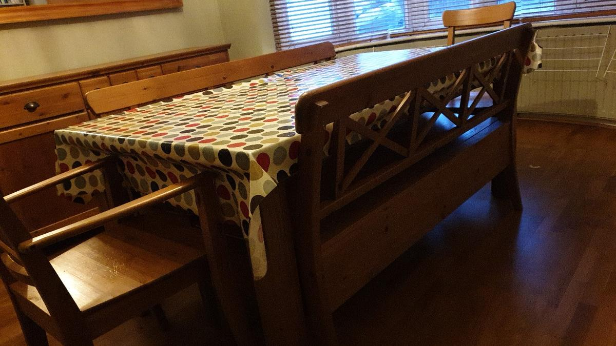 Dining Table With Benches In Ub6 London For 40 00 For Sale Shpock