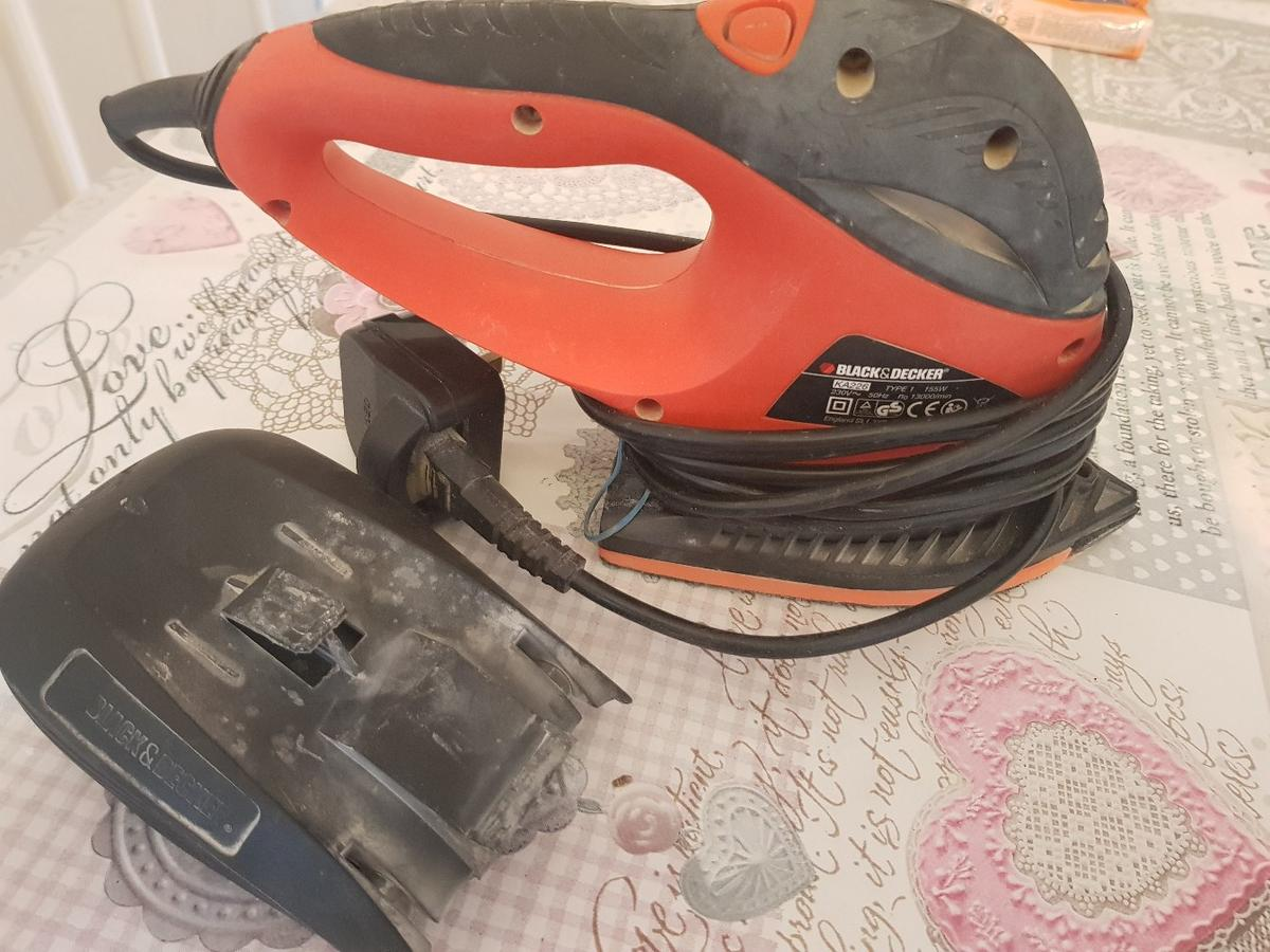 heavy duty sander powerful dust collector comes off in use sometimes.