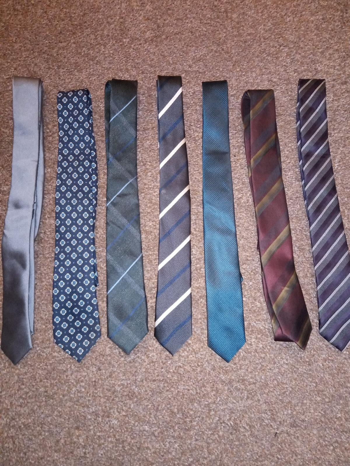 12 ties As seen in the pictures Ties from mainly next but include ventuno, f&f, Taylor and Wright.